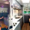 Дом мечты на колесах: британец во время карантина превратил обычный бус в уютное жилище