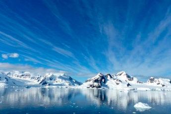 Почему самолеты не летают над Антарктидой: 4 причины